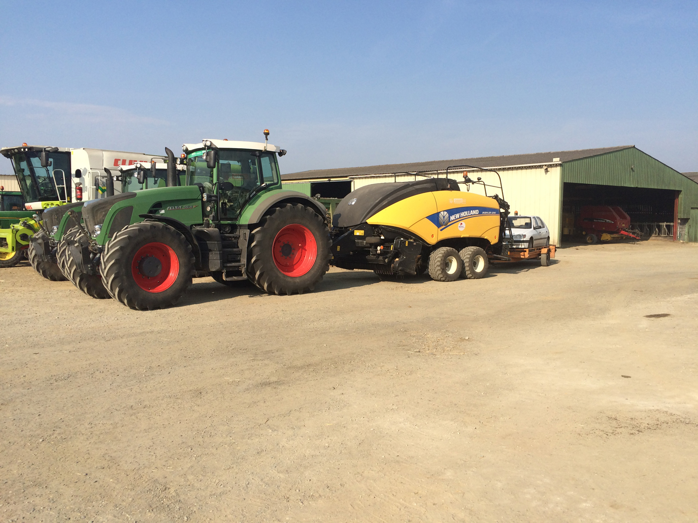Super Presse cubique NEW HOLLAND - Gabard 79 travaux agricoles - Cholet #SL_35